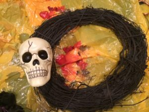 Attach Skull to Wreath